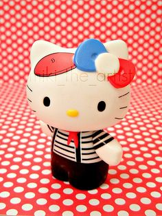 HK |❣| HELLO KITTY French Artist Figure