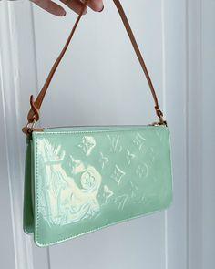 women handbags and purses Louis Vuitton Designer, Louis Vuitton Vintage, Michael Kors Designer, Louis Vuitton Handbags, Purses And Handbags, Designer Bags, Designer Handbags, Room Designer, Pink Handbags
