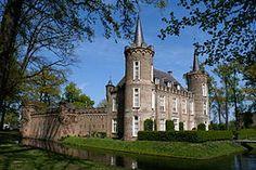 Kasteel Henkenshage (of: Henckenshage) is een kasteelachtig gebouw in Sint-Oedenrode.(14e eeuw).Noord Brabant