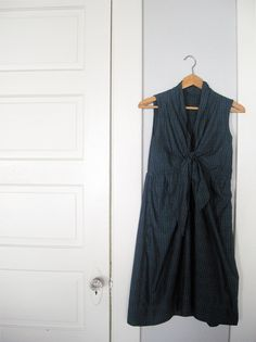 make a mociun knock off dress.  must stretch sewing muscles.