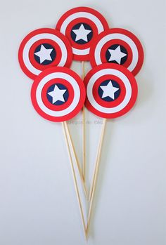 6 pcs Captain Cake Topper Carsdstock Topper by pingosdoceu Birthday Party Tables, 6th Birthday Parties, Boy Birthday, Captain America Party, Captain America Birthday, Captain Amerika, Avengers Birthday, Birthday Party Decorations, Cake Toppers