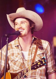 Picture: Garrett Hedlund in 'Country Strong.' Pic is in a photo gallery for Garrett Hedlund featuring 54 pictures. Garrett Hedlund, Country Strong, Country Boys, Country Style, Farm Boys, Country Life, Country Living, La Route Film, Country Singers
