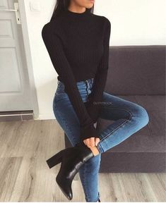 10 elegant outfits with perfect jeans to go to work - Woman of Real guide for today& woman. - 10 elegant outfits with perfect jeans to go to work – Woman of 10 Best Picture For outfits for w - Outfit Jeans, Sweater Outfits, Black Women Fashion, Look Fashion, Autumn Fashion, Womens Fashion, Fashion Clothes, Fashion Boots, Trendy Fashion