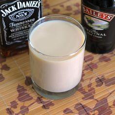 Jack Knife drink recipe, featuring Jack Daniels and Bailey's Irish Cream.