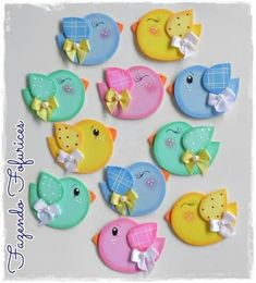 Paper, foamy, polymer birds... #gomaevamanualidades Board Decoration, Class Decoration, School Decorations, Foam Crafts, Diy And Crafts, Crafts For Kids, Arts And Crafts, Art N Craft, Felt Patterns