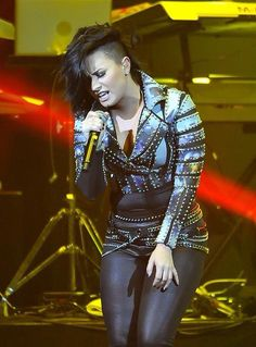 Demi Lovato performing in San Jose, CA! (December 3rd)