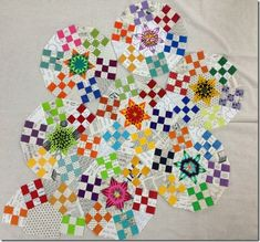 "Wowzas! Fantastically bright ""Ring Cycle"" quilt by Lorena of Lorena's Patchwork & Quilting Notes blog."