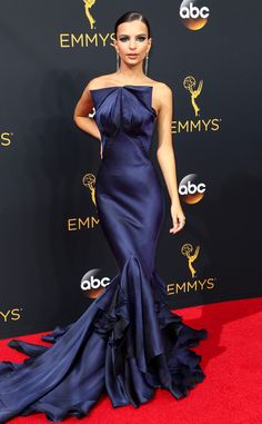 Emily Ratajkowski: 2016 Emmys Red Carpet Arrivals