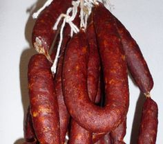 Home-made chorizo Pork Sausage Recipes, Chorizo Sausage, Meat Recipes, Mexican Food Recipes, Kielbasa, Charcuterie, How To Make Sausage, Making Sausage, Home Made Sausage