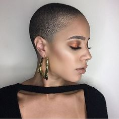 Bold beauty! @onlyoneclaudia  #thecutlife #shorthair #MUA #style #edgy #beauty