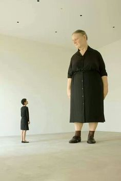 Amazing sculpture by Ron Mueck
