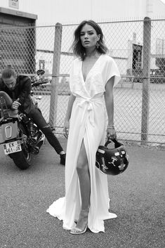 Robe de mariée 2018 : une robe brodée façon kimono Rime Arodaky, prix sur demande