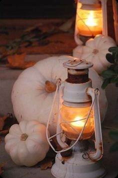 35 Amazing White Fall Décor Ideas : 35 Exquisite White Fall Décor Ideas With White Pumpkin Decor And Lantern And Fall Leaves Ornament