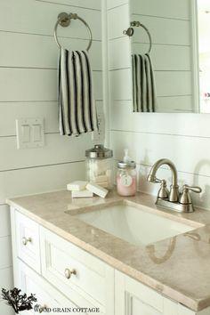 Diy Wood Bathroom Vanity Plank Walls 22 New Ideas Bathroom Vanity Makeover, Rustic Bathroom Vanities, White Vanity Bathroom, Modern Farmhouse Bathroom, Wood Bathroom, Bathroom Colors, Bathroom Ideas, Home Design, Bath Design