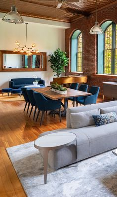 Amazing industrial farmhouse living room tips for 2019 Next Living Room, Small Living Room Layout, Fresh Living Room, Tiny Living Rooms, Casual Living Rooms, Living Room Styles, Living Room Images, Living Room On A Budget, Living Room Interior
