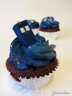 TARDIS cupcakes (Version 2)