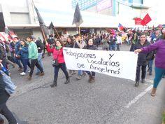 Resumen | Crisis socioambiental se extiende hacia Puerto Montt: barricadas y enfrentamientos en la capital de Los Lagos