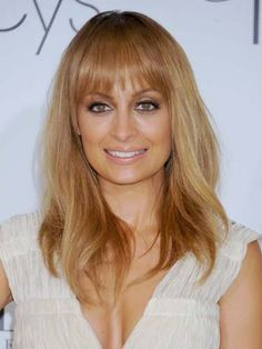 This is what I EVENTUALLY want my hair to look like!Hottest hair color for Fall honey blonde a la Nicole Richie Hot Hair Colors, Fall Hair Colors, Hair Color Dark, Cool Hair Color, Hair Colour, Dyed Hair Pastel, Colored Hair Tips, Winter Hairstyles, Hair Color Balayage