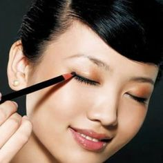 Great Ideas To Turn Daytime Makeup Into Nighttime Makeup