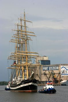 This photo from Zachodniopomorskie, West is titled 'Welcome to Szczecin'. Big Yachts, Tatra Mountains, Poland Travel, Historical Monuments, Tug Boats, The Beautiful Country, Tall Ships, Fishing Boats, Sailing Ships