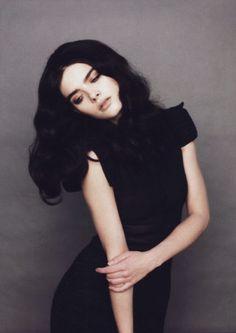 Model: Karolina Babczynska
