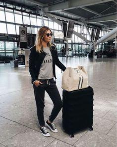 Cómo crear tu outfit cómodo para viajar en avión - El Cómo de las Cosas Moda 3a2b3e2d514