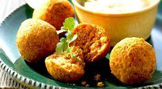 Polpette di lenticchie rosse con chutney al cocco (India)