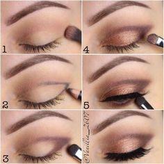 Una forma eficaz y rápida de darle un cambio a tu mirada. #maquillaje #ojos #trucos #easyeyemakeup