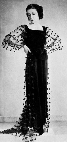 """les-modes: """" Evening gown in black velvet with red chenille dots by Helen Hubert. 1940s Fashion Women, Retro Fashion, Vintage Fashion, Women's Fashion, Dress Fashion, Vintage Outfits, Vintage Gowns, Vintage Hats, Vintage Mode"""