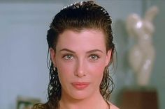 The romantic life of Kelly LeBrock is finally out Kelly Lebrock Weird Science, Glamour Shots, Actrices Hollywood, Retro Hairstyles, Hollywood Celebrities, Up Girl, Most Beautiful Women, Beautiful Actresses, Madame Red