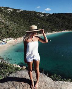 """5,247 curtidas, 29 comentários - Micheli Fernandes (@micheli_fernandes) no Instagram: """"Escolhi um paraíso pra usar essa blusa fofa e fresquinha da @selfie_store  tem coisa mais gostosa…"""""""