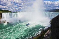 Rollinglobe - Jennifer's Travel Profile - Niagara Falls Canadian Side Tour and Maid of the Mist Boat Ride