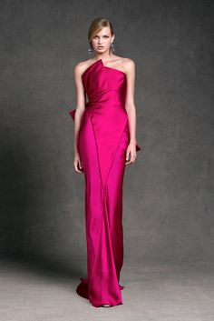 Donna Karan Resort 2013 - Daytime and evening glamour from one of America's foremost designers. Donna Karan, Pink Fashion, Couture Fashion, Fashion Show, Dress Fashion, Paris Fashion, Runway Fashion, Style Fashion, Fashion Trends