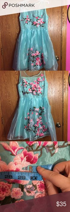 Blue floral homecoming/prom dress Bust: 30 upper waist: 29 Dresses Prom