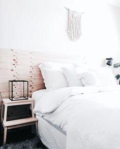 • F r i d a y • • • • Not a day to stay indoors and in bed! It's a beautiful sunny day! Lantern inspired by @parisandpups • • • • #friday #friyay #today #melbourne #love #beautiful #sunny #bed #bedroom #macrame #bright #dream_interiors #homeinspo #homedecor #interiordesign #interior4all #interior123 #interiorinspiration #interiorwarrior #interior_and_living #interiorandhome #interior9508 #myhome #whiteinterior #whitehome #nordicminimalism #onlyinterior #passion4interior