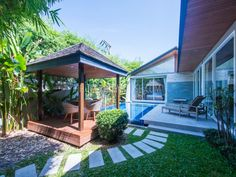 Villas in only 2 minutes to Layan Beach