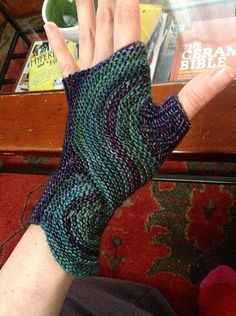 Free pattern by Sybil_R : Pieces of Eight Mitts by Sybil R. malabrigo Rastita in No Me Olvides y Aguas colorways.