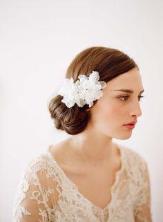 myrakimによるブライダル絹の髪の花小さなシルクオーガンザの花