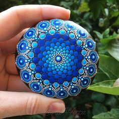 De daling van de steen Mandala Deep Blue Ocean