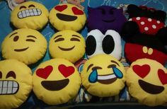 Emojis em feltro