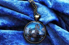 Halskette London Tower Bridge VI - Fotografie und Schmuck aus Hamburg - elbvue - Künstler und Designer unterstützen - Startups - Fotokette mit Anhänger - England - UK - British
