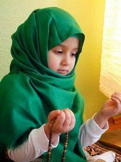 children praying - Photo of Muslim Baby girl praying Baby Girl Wallpaper, Kids Wallpaper, Cute Kids, Cute Babies, Baby Kids, Baby Baby, Precious Children, Beautiful Children, Baby Hijab