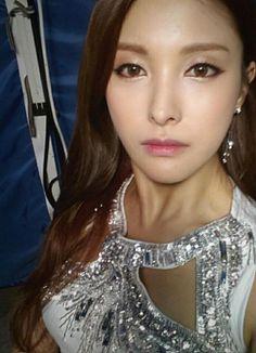 KARA's Park Kyuri Shows Her Deep Brown Eyes 'Goddess' http://www.kpopstarz.com/articles/155546/20141224/kara-park-kyuri-deep-brown-eyes-goddess.htm