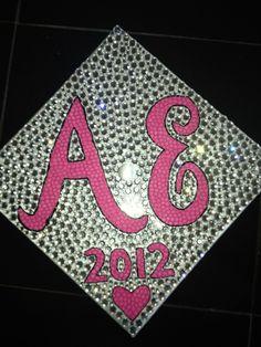 My graduation cap �� #bedazzled http://t.co/q7qBz2GB