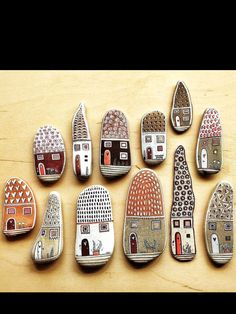 Painting stones - 50 ideas, coloring pages, simple motifs and .-Steine bemalen – 50 Ideen, Malvorlagen, einfache Motive und Muster Stones for funny house motifs - Pebble Painting, Pebble Art, Stone Painting, Diy Painting, Stone Crafts, Rock Crafts, Arts And Crafts, Egg Crafts, Rock Painting Designs