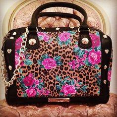 i ♥ betsey johnson purses Betsy Johnson Purses, Betsey Johnson Bags, Cute Handbags, Purses And Handbags, Fashion Handbags, Fashion Bags, Cute Purses, Cute Bags, Backpack Purse