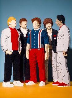 #OneDirection #Sculptures #LEGO #Brickboyband @Nathan Sawaya