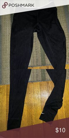 Nike Workout pants Skinny workout pants. Nike. Size xsmall. No rips, holes or tears. Great condition. Pants Skinny