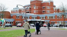 Niet verzekeraars maar ziekenhuizen bepalen tarieven van behandelingen - Volkskrant