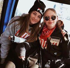 My Best Friend, Best Friends, Winter Things, Photos Tumblr, Winter Pictures, Girl Gang, Bergen, Snowboard, Besties